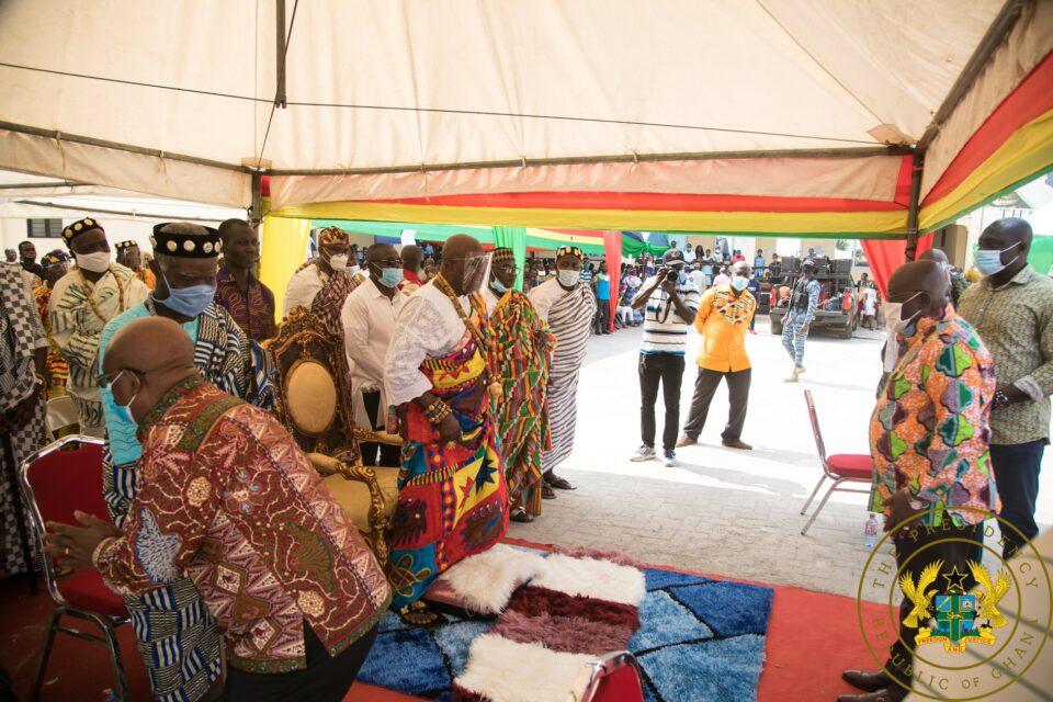 President Akufo-Addo paying homage to Torgbui Sri
